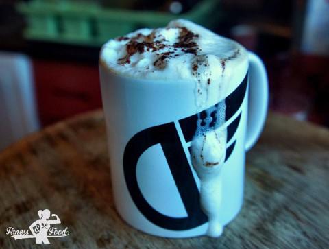 Banane-Kokos Protein Latte