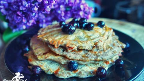 Blaubeeren-Hüttenkäse Protein-Pancakes