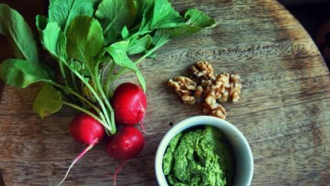 Radieschen-Grün Pesto