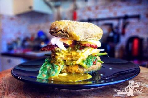 Fitness & Food Burger mit Pochiertem Ei – vegetarisch