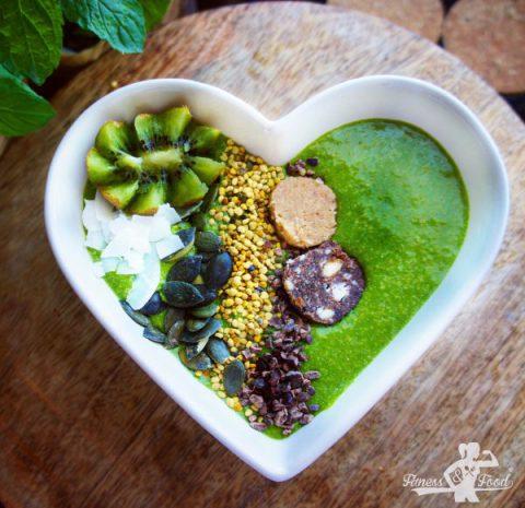 4-Zutaten vegane Matcha Bowl