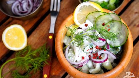 Gurkensalat mit Sour Cream