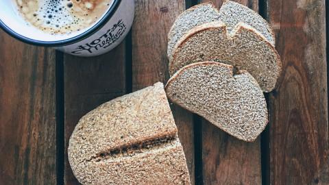 Wie Du im Handumdrehen ein leckeres LOW-CARB Brot zubereitest