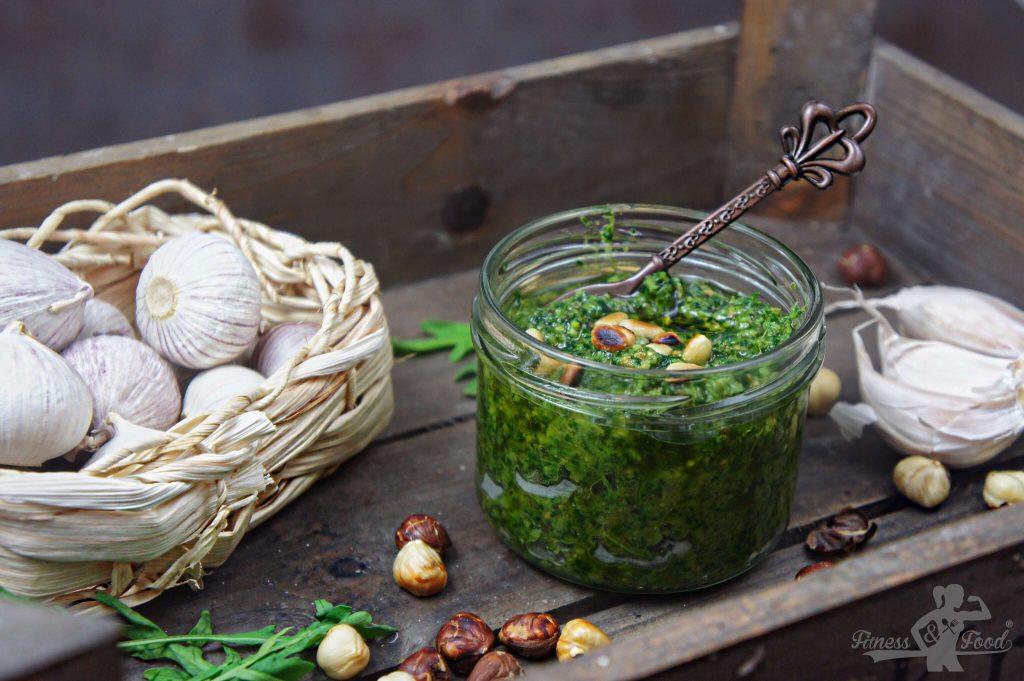 Rucola Pesto mit Haselnüssen