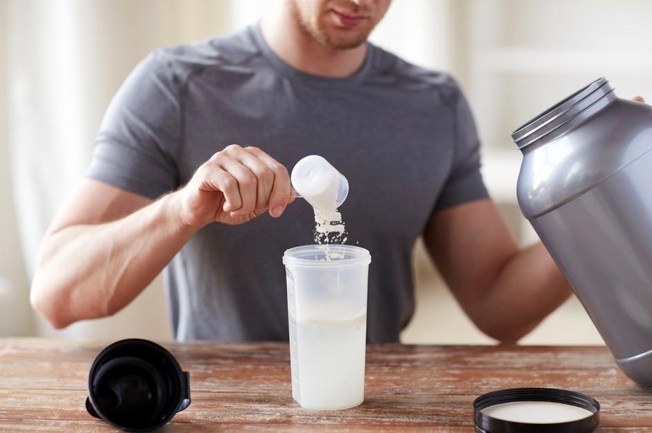 Eiweißpulver und Aminosäuren – wann es sich lohnt und worauf Du beim Kauf unbedingt achten solltest