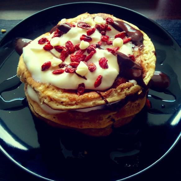 Vanille-Kokos & Erbeer Protein Pancakes