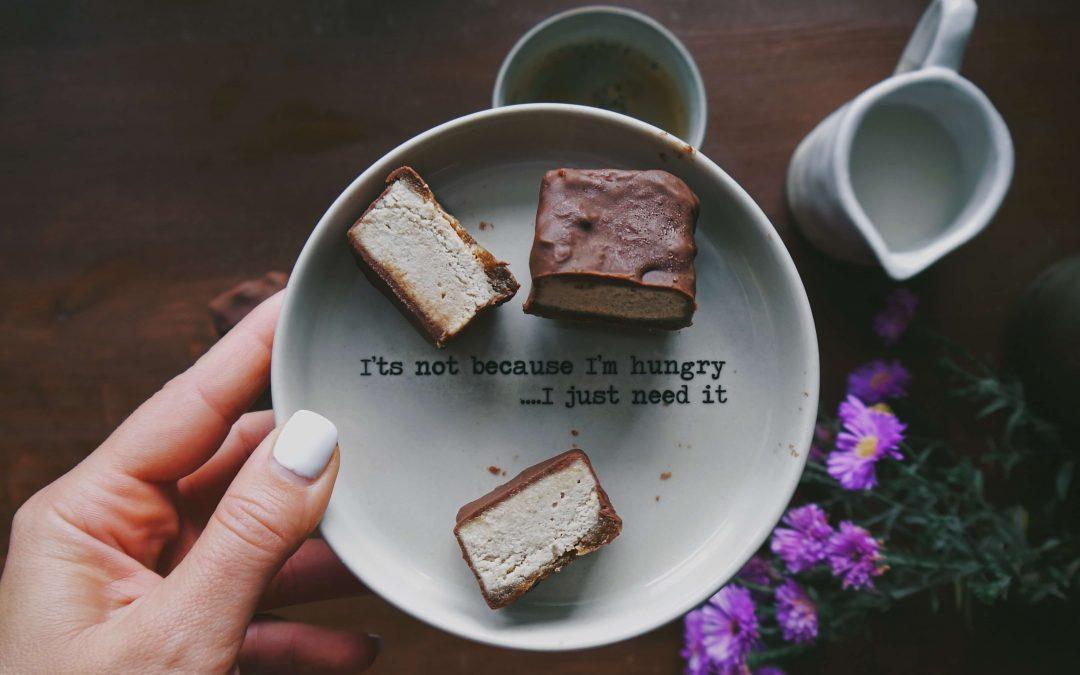 Gesunde Cheesecake Pralinen – vegan & glutenfrei